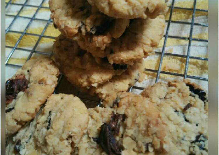 Kurma Cinnamon Oatmeal Cookies
