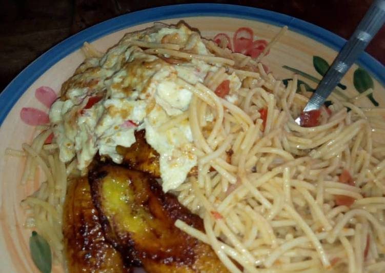 Indomine and fried plantain and egg