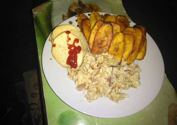 Scrambled Eggs with shrimps paired with Fried plantain and Yam