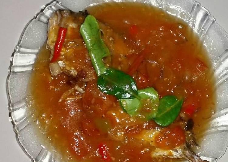 Ikan kakap putih saus tomat
