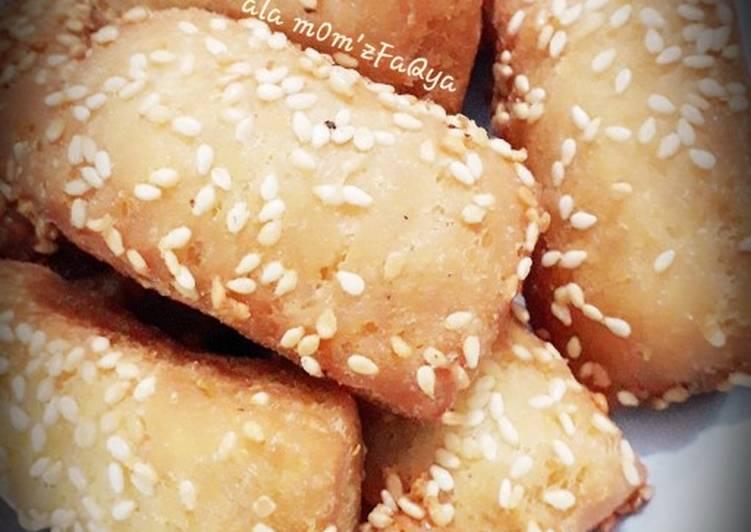 Roti Bantal, Roti Goreng Wijen