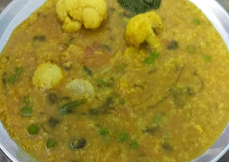 Grandmother's Dinner Easy Diet Perfect Navratan Bhog Khichri