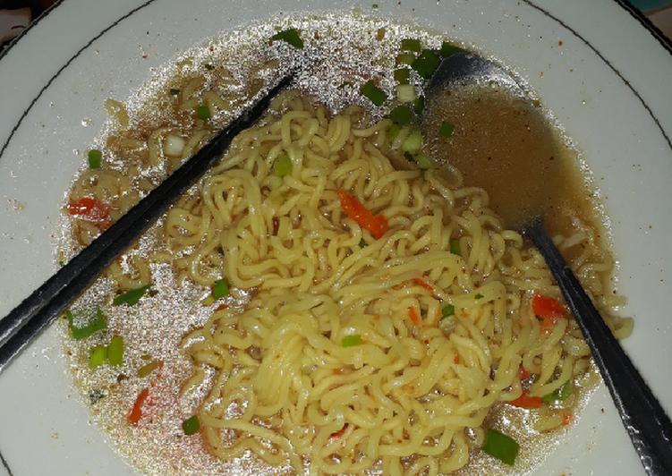 Resep Indomie kuah ayam bawang pedas Paling Gampang