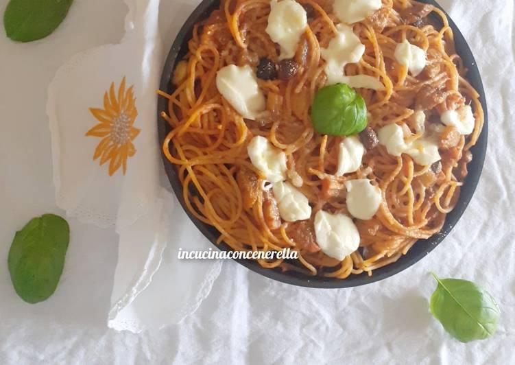 Barchette di melanzane ripiene di spaghetti alla puttanesca