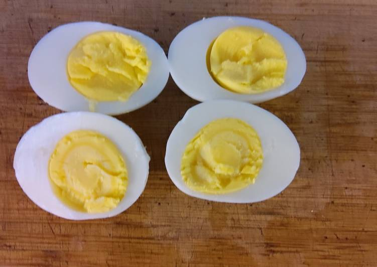 "Lee's ""Perfect"" Hard Boiled Eggs"