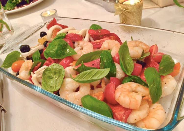 Recipe: Yummy Shrimp and squid salad