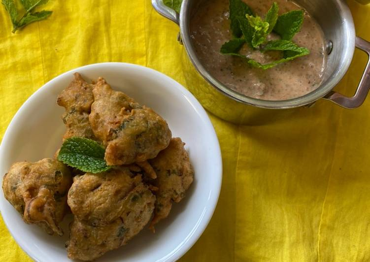 Easiest Way to Make Quick Veg Pakoras and yogurt mint sauce. (Vegetables Bhajis) #mycookbook