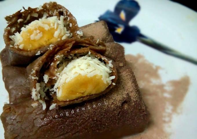 Resep Dadar gulung coklat pisang keju yang Bisa Manjain…