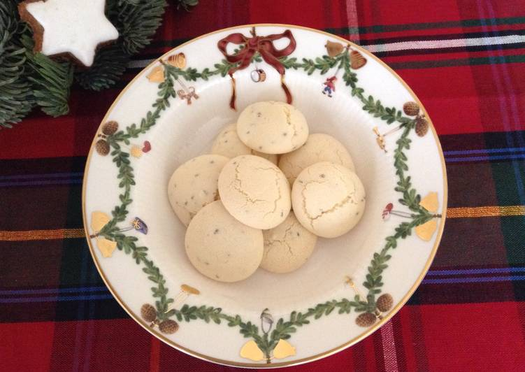 Recipe: Appetizing Anise Christmas cookies