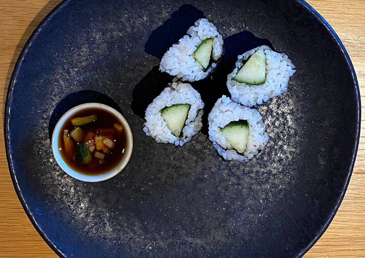 Recipe: Yummy Cucumber Sushi