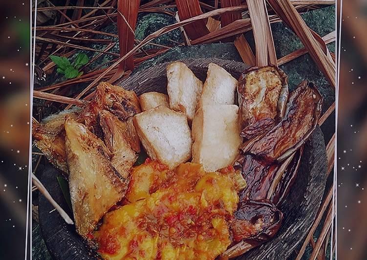 Tahu,Terong,Ikan Asin Goreng Sambal Mangga Manis