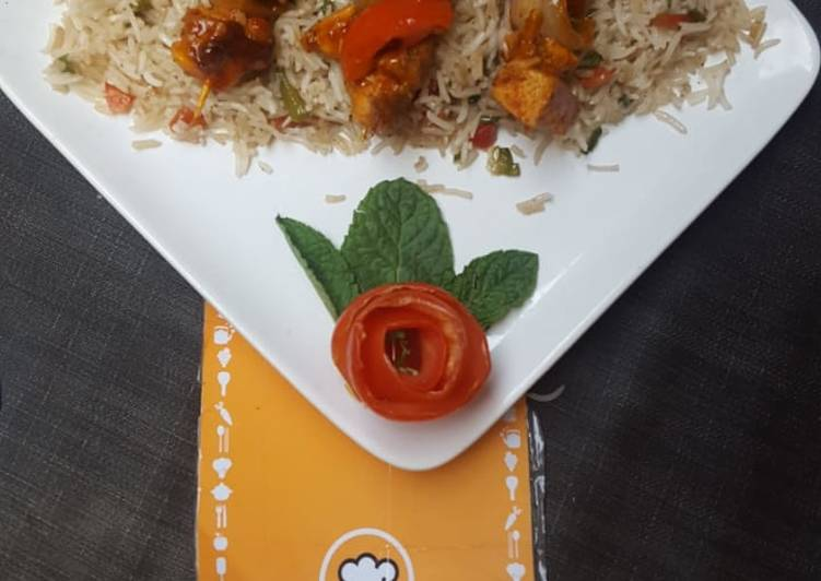 Recipe of Perfect Peri peri skrewers with fried rice