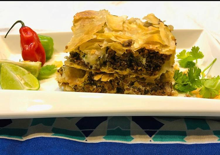 Mince beef filo squares