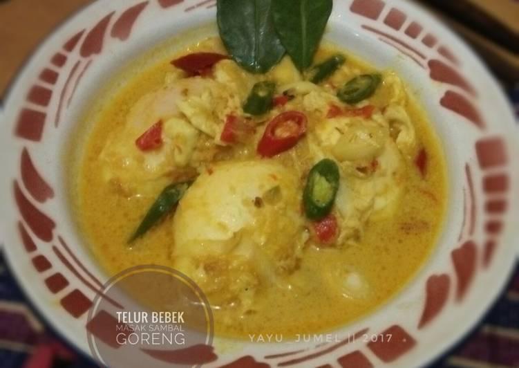 Telur bebek masak sambal goreng (#pr_recookmasakanberkuah)