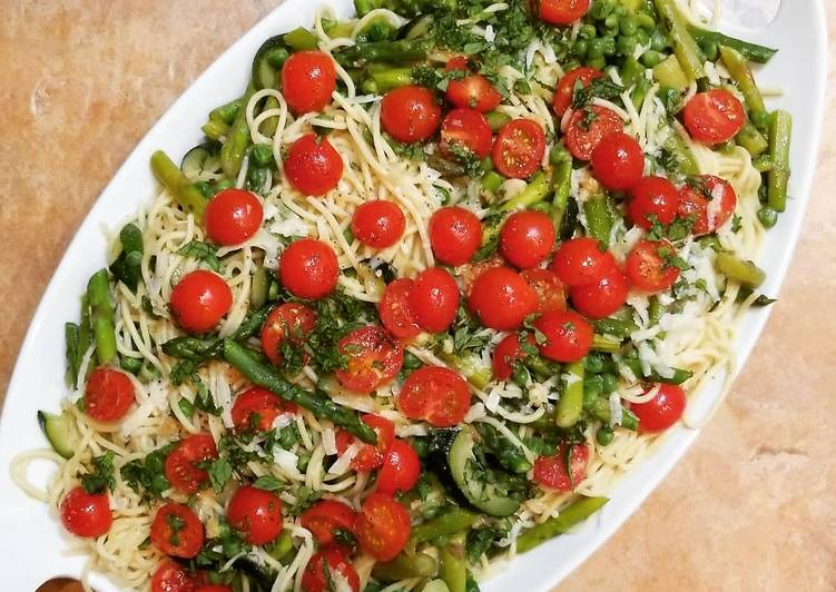 Garlicky Vegetable Pasta