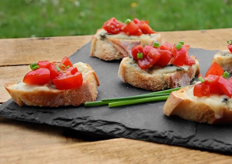 Tartines tomates gorgonzola