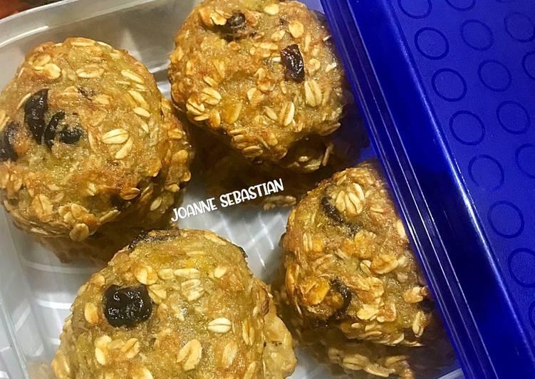 Banana & Raisin Oat Cookies