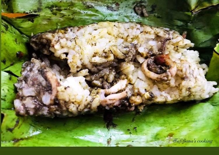 Nasi jeruk bakar with cumi kemangi