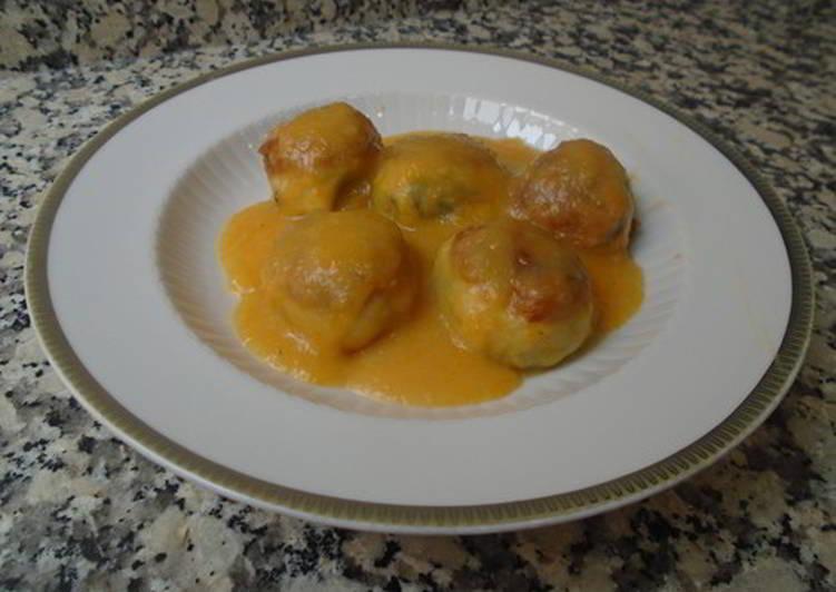 Albóndigas de garbanzos y espinacas con salsa de albaricoque