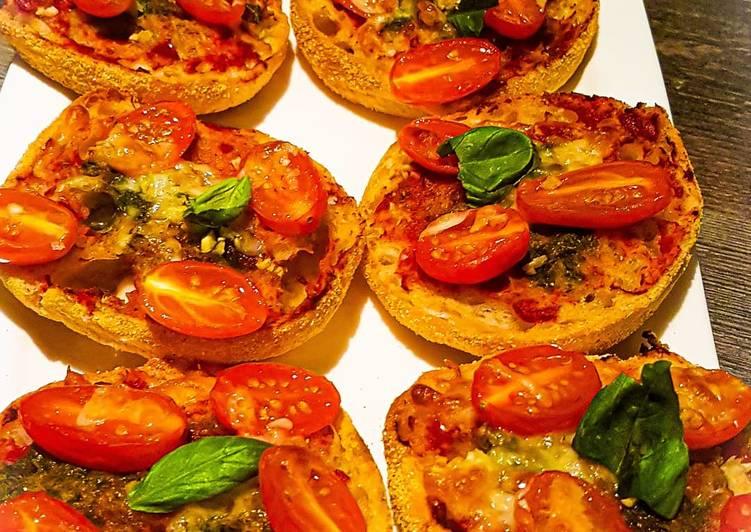 Pizzabrötchen Tomate-Mozzarella