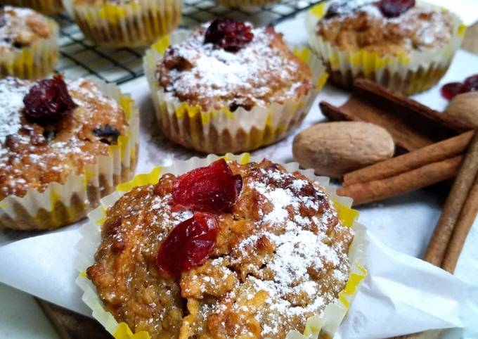 Healthy Muffin - carrots, apples, banana, oats Muffin