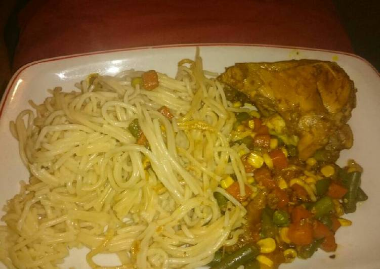 Easiest Way to Cook Appetizing Grilled Chicken with Spaghetti and veggies