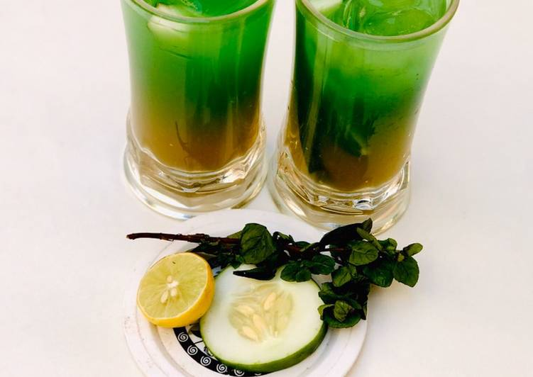 Steps to Make Homemade Mint leaves and cucumber juice