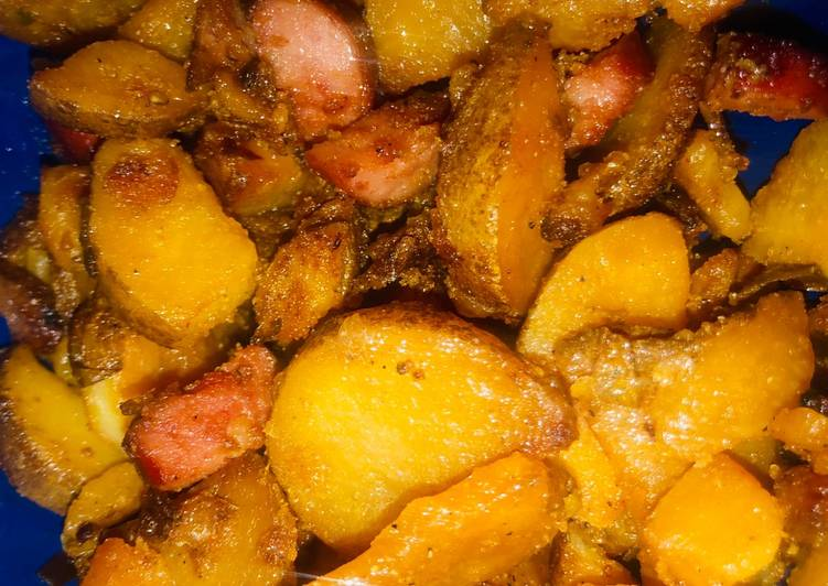 Spicy Fried potatoes and sausage