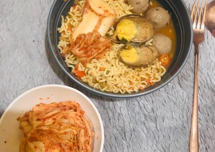 Ramyeon Kimchi (pakai bahan instan semua)
