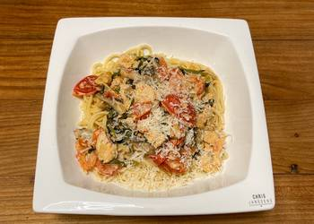How to Recipe Yummy Spaghetti with Chicken Tomato and Spinach