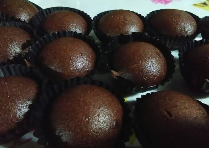 Easy pitsy mini choc muffin