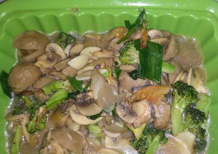 Oseng jamur kancing sayur bakso