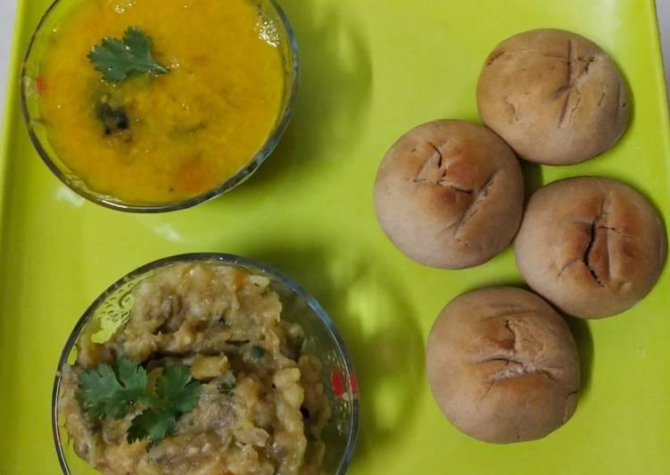 Litti chokha (litti cooked in microwave)
