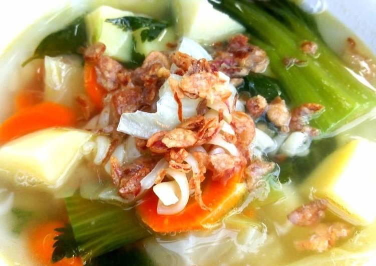 Sop sayur makaroni