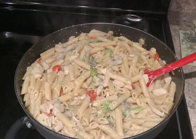 Cream Sauce Chicken Pasta