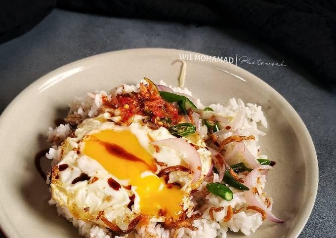 Telur Mata & Bawang Bilis