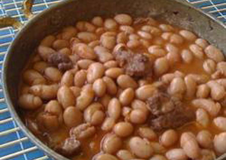 Red beans and meat stew - yakhnet fassoulia bi lahmeh w riz