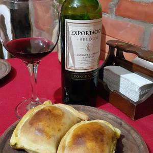 """""""Empanadas Chilenas"""" (Empanadas de Pino)"""