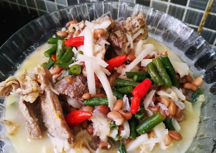 Lodheh sayur bung (bambu muda) tetelan daging sapi