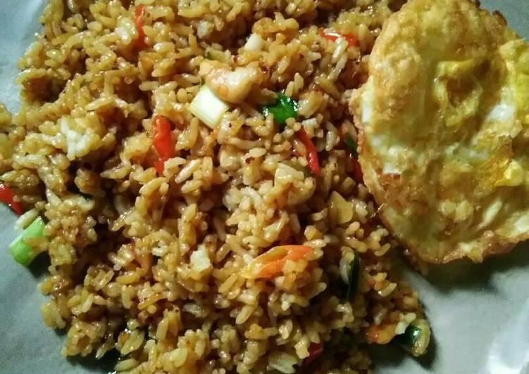 Resep Nasi goreng bekal suami Terbaik