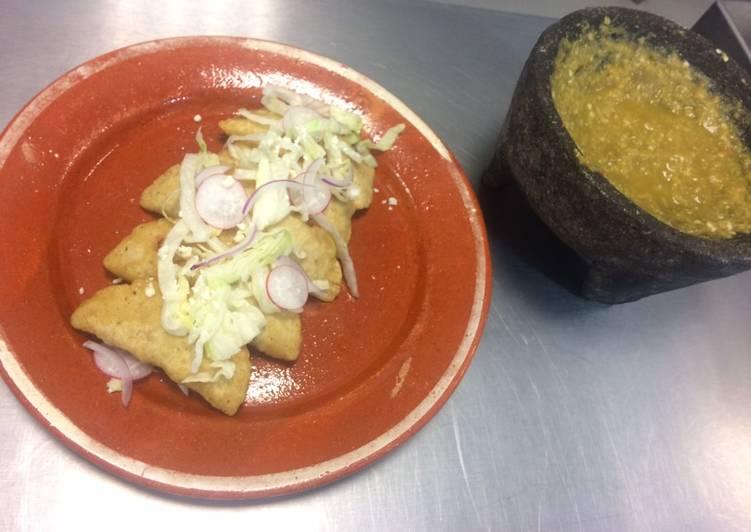 Empanada de camarón estilo Rosamorada (Nayarit)