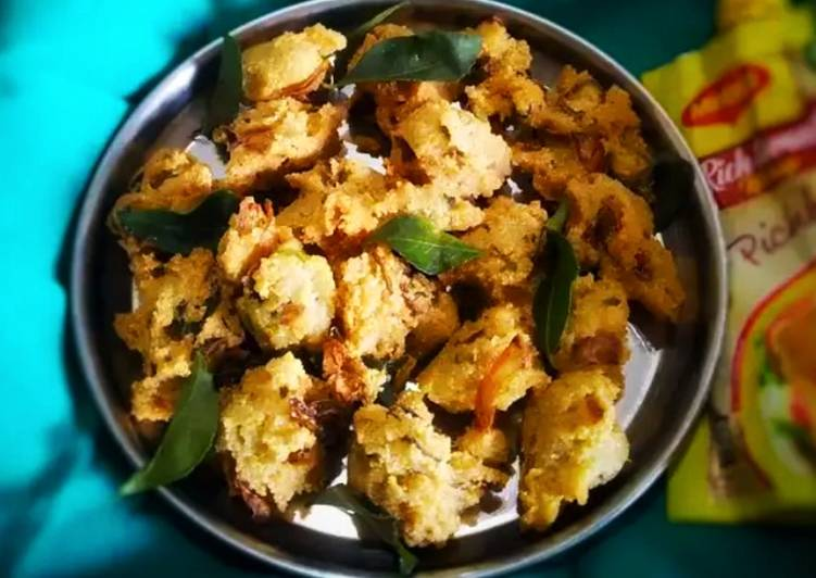 Discover How to Improve Your Mood with Food Rava/sooji pakoda