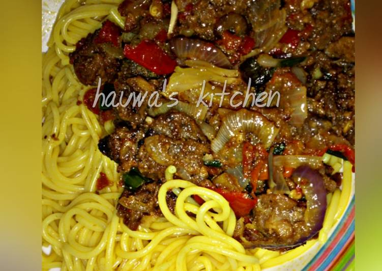 Curried spaghetti with meat sauce
