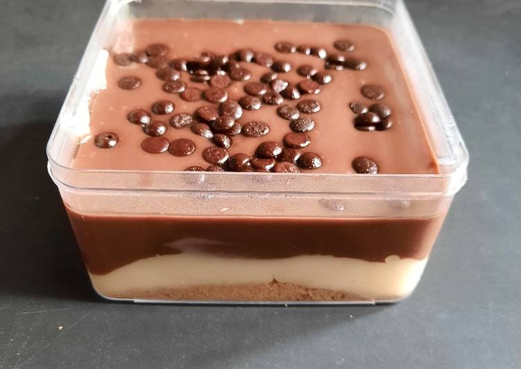 Cara Gampang Membuat Regal Vla Coklat Lumer, Lezat Sekali