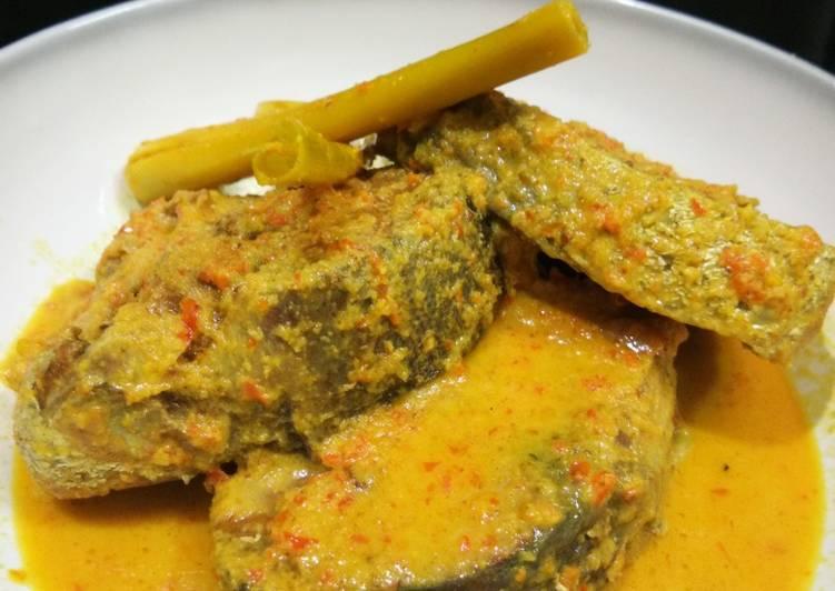 Resep Gulai Kuning Ikan Tongkol yang Enak