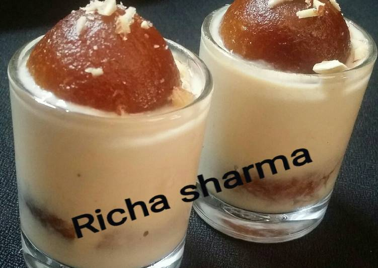 Easy Comfort Dinner Ideas Fall Rabdi gulab jamun shots