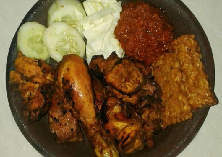 Ayam bakar sambal penyet Lamongan 🍗