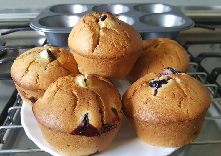 Simple Way to Make Super Quick Homemade Lemon Blueberry Muffins