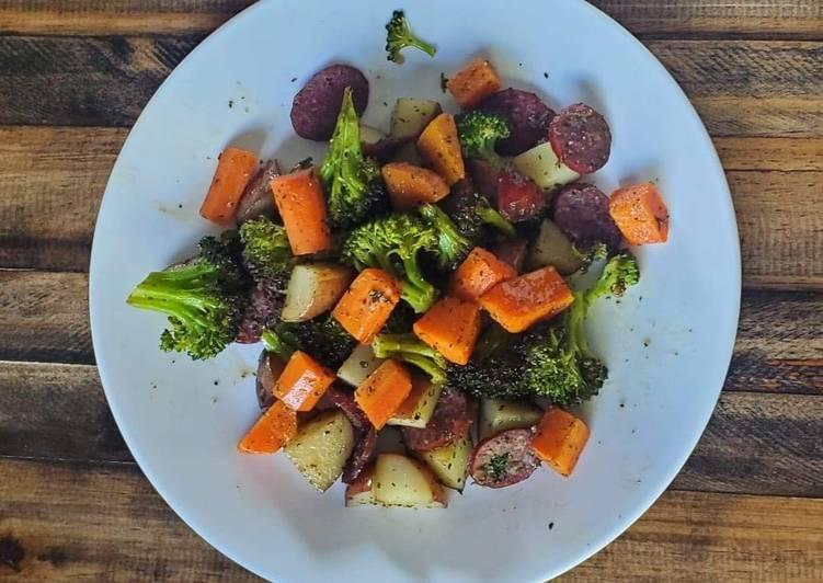 Sausage & Veggies Sheet Pan
