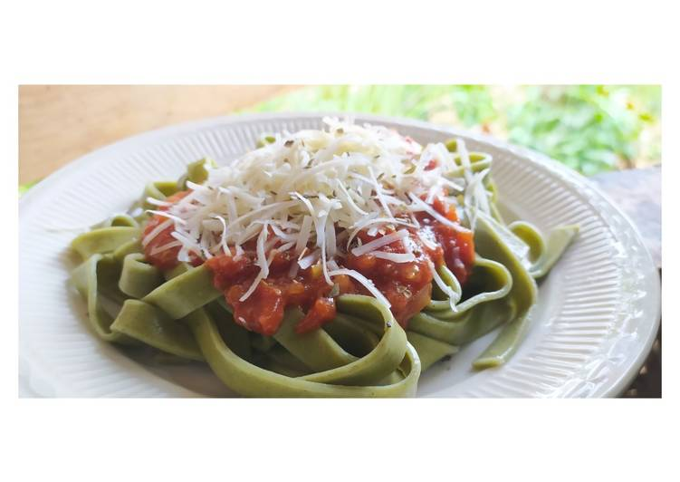 Resep Spinach Fettuccine With Homemade Bolognese Sauce Oleh Riri Zakya Cookpad